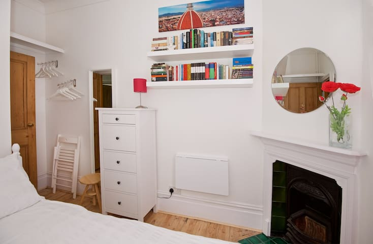 Stylish Room in Central Muswell Hill