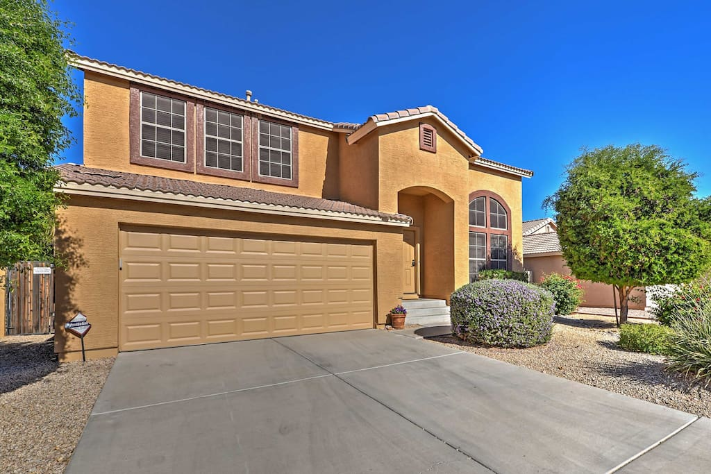 This home is located near the Surprise Baseball Arena and Glendale Stadium.
