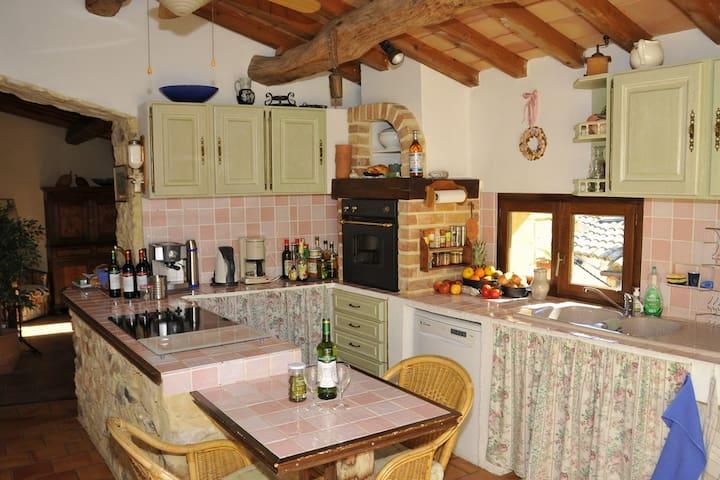 Charaktervolles Steinhaus in La Capelle (Uzès) - La Capelle-et-Masmolène - House