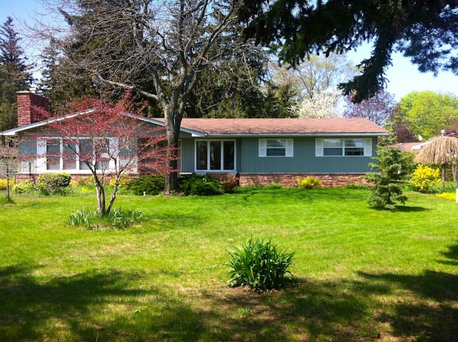 Spacious home 1km from the beach - Saugeen Shores - Maison