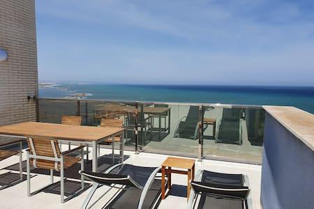 Ático con terraza panorámica 80 m2  La Manga Km 18