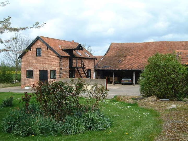 Kimberley Cottage, Moats Tye, in mid Suffolk
