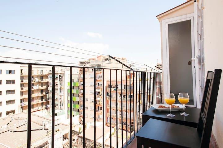 BARCELONA | 3 BEDROOM APT | SAGRADA FAMILIA | ¤