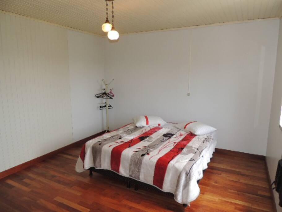 Camas Box de Solteiro que podem ser utilizadas também como cama de Casal