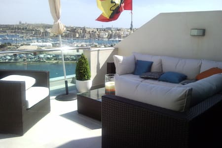 Seafront Penthouse - Il-Gżira - Apartmen
