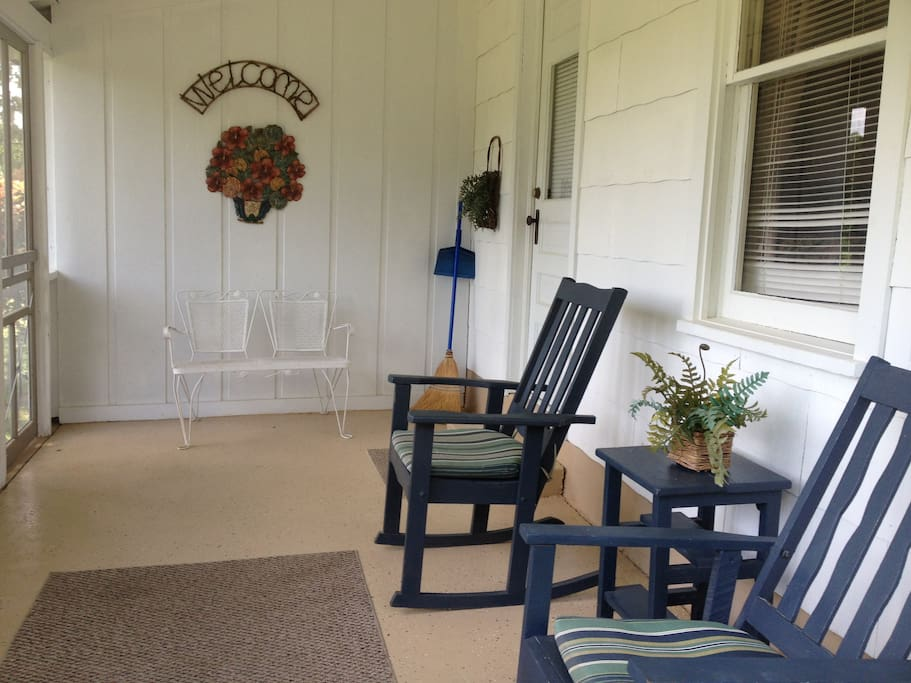 The porch / lanai of cottage one