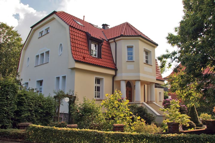 Ruhiges Villenzimmer m. eigenem Bad - Billerbeck - Villa