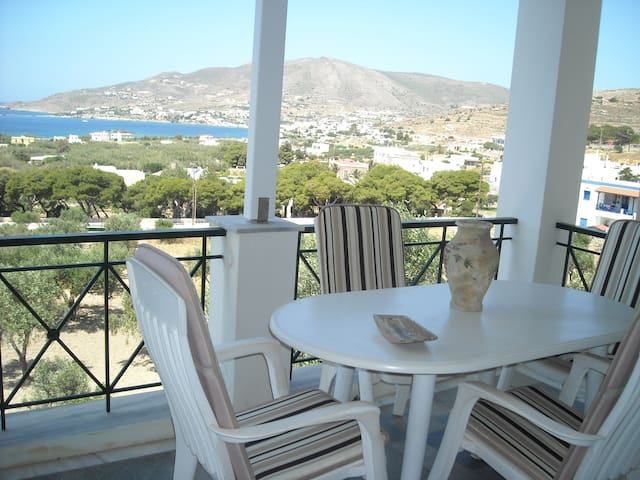 Luxury apartment- sea view- 4adults - Syros - Apartemen