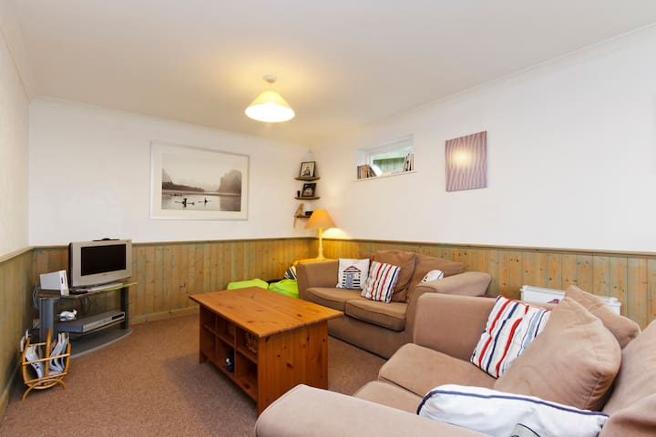 Spacious family & dog friendly. Parking. Garden. - Salcombe - アパート