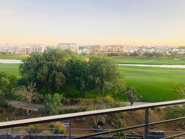 Apartment with view golf course, 6/pax Trendy Area