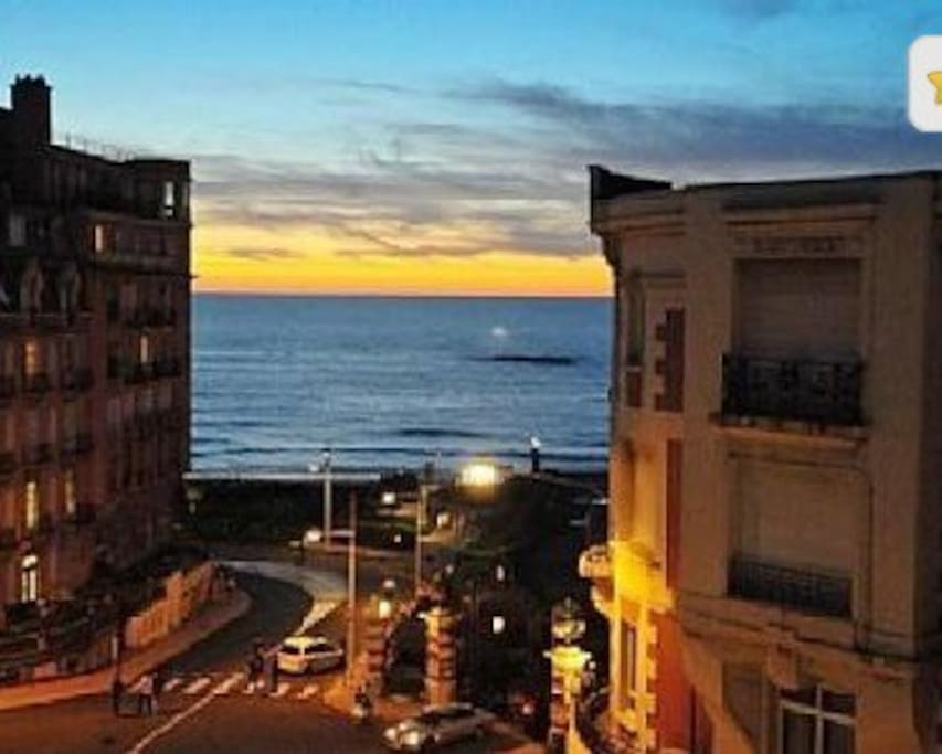 Rabat centre ville , vue sur la mer.