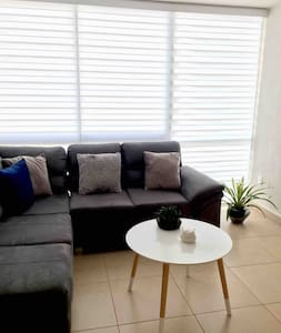 Apartment close to the airport !! 1 Room