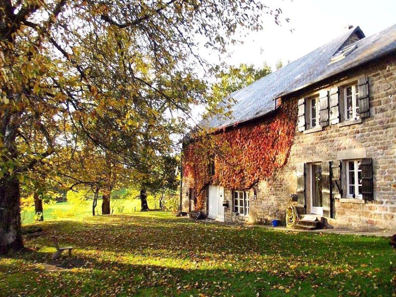 Bonjour and welcome to our home. We look forward to sharing this beautiful part of the Limousin with you.