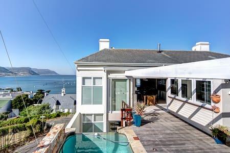 WhaleDance - Cape Town