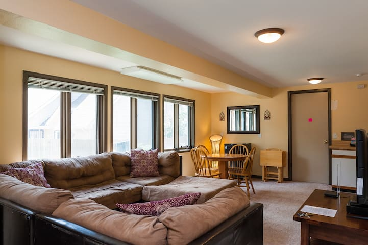 Large 2 Bedroom Suite  Private & Cozy - Highlands Ranch - Casa