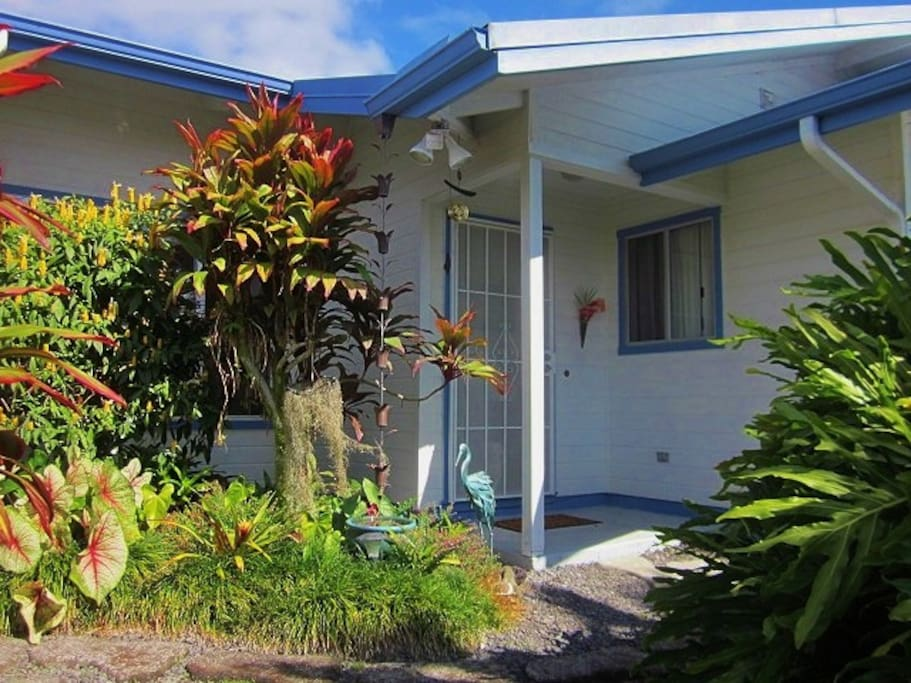 As they say in Hawaii.....E Komo Mai!  Welcome, come in.