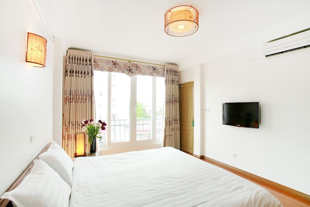 Chambre double fen tre panoramique maisons louer for Louer une chambre sans fenetre