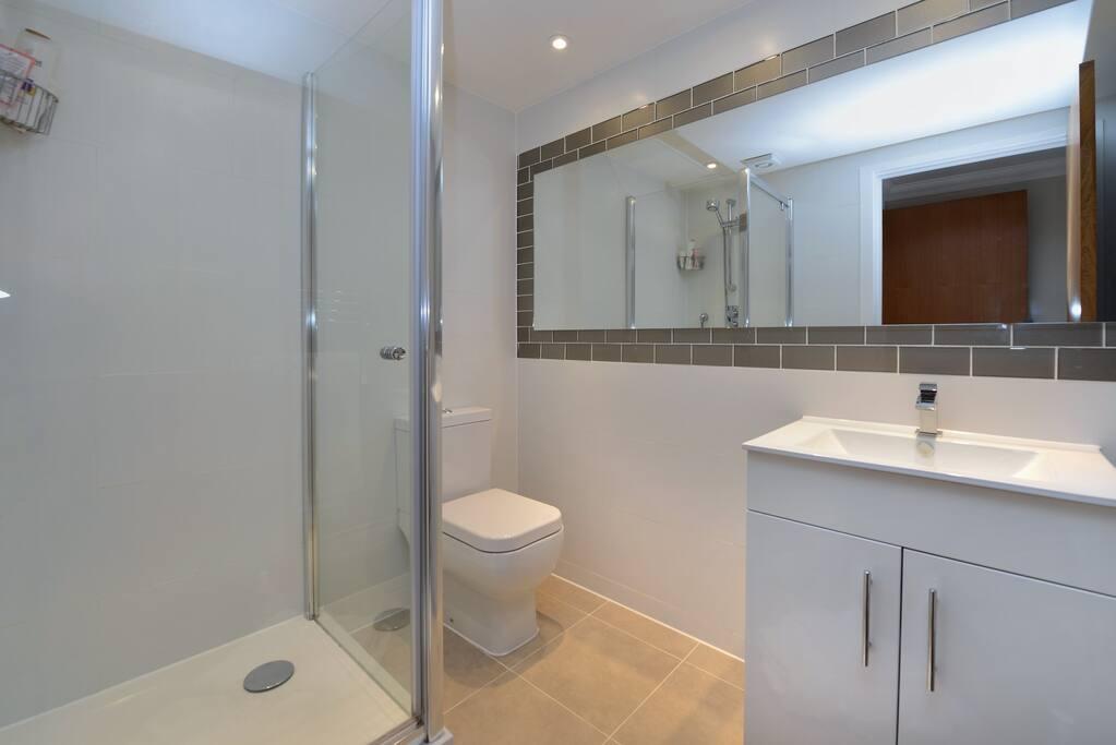 En Suite Bathroom off Bedroom 1