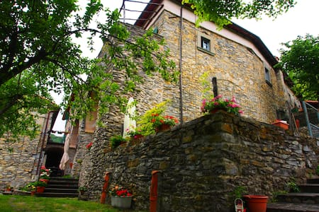 Room in Tuscany Lunigiana - Granaio - Comano - Bed & Breakfast