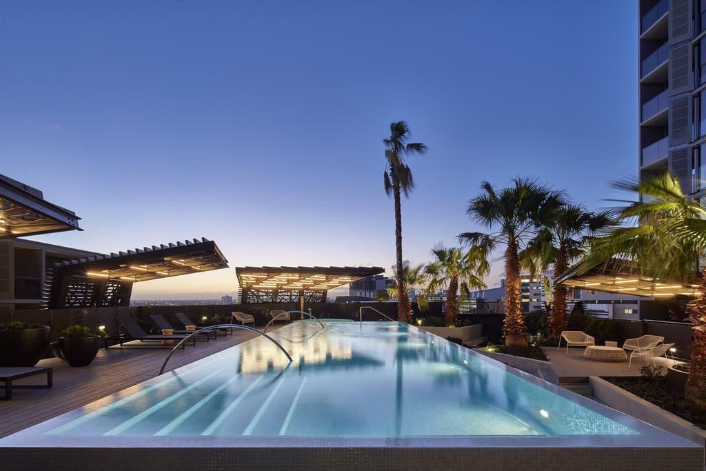 Fantastic roof top infinity pool