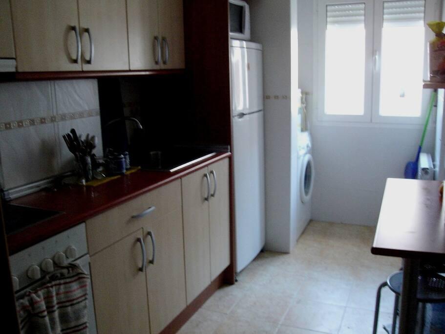Habitaci n 2 en piso compartido appartements louer for Pisos 1 habitacion zaragoza