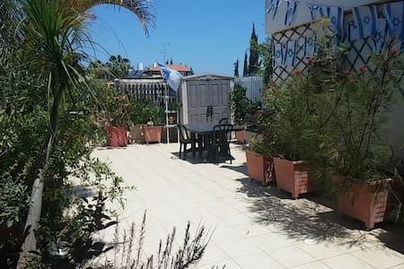 Rooftop studio B&B-Herzliya Center