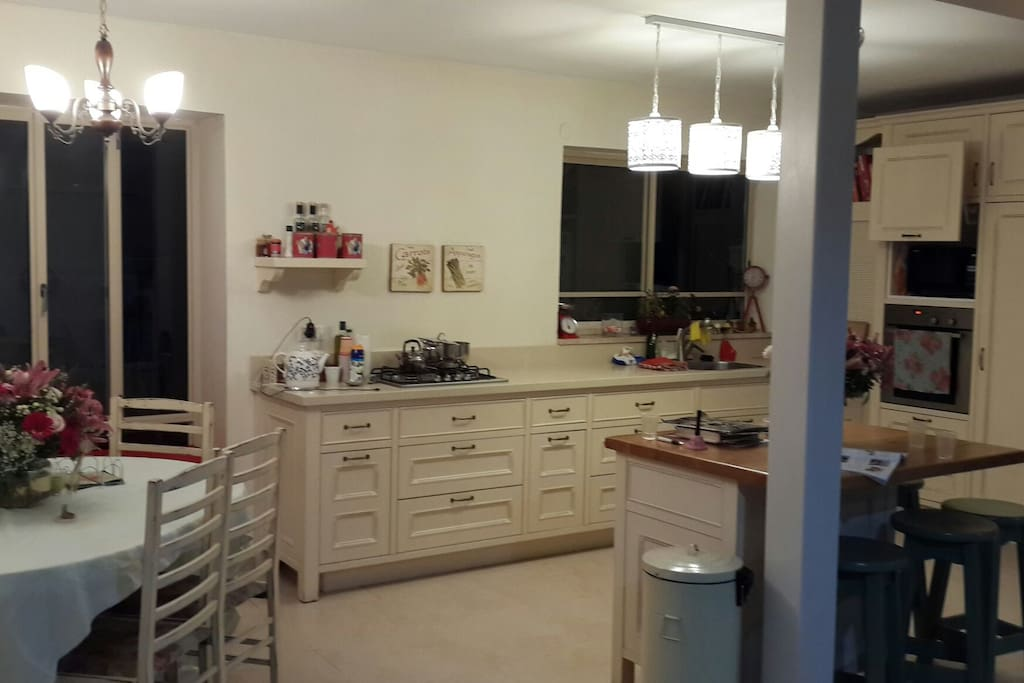Comfortable and well equiped kitchen