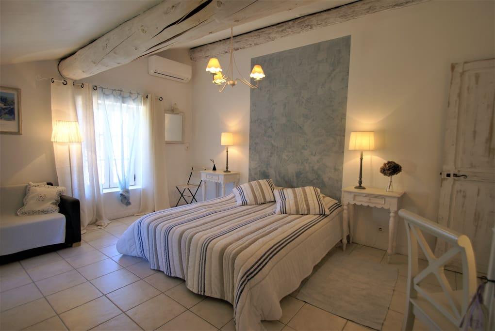 Suite Senanque : chambre parents / parents room