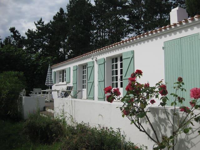 Grande maison familiale au calme - Île d'Yeu - Casa