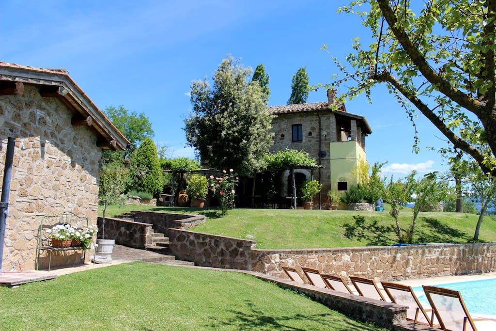 Casale Regina - unique holiday villa close to Rome.