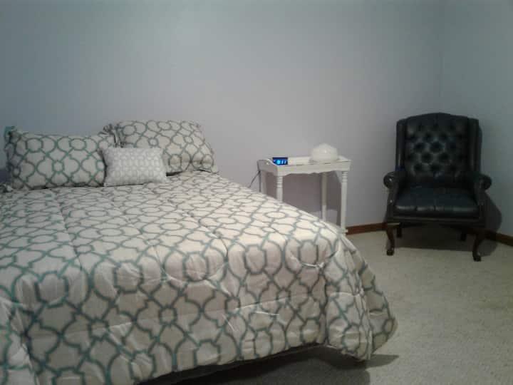 Fairy Gourdmother Inn - Lilac room
