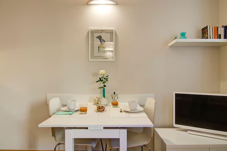 Very Central & Elegant Studio WIFI!