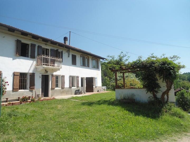 Farmhouse in Monferrato, near Asti