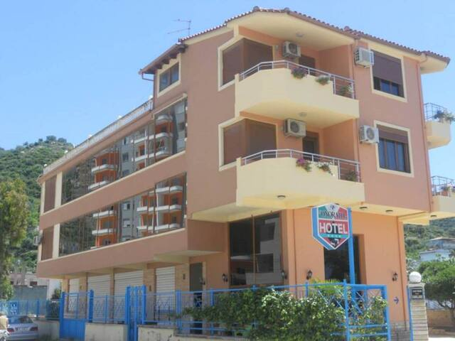 50 meters from beach, Hotel Onorato - Vlorë