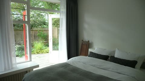 Suite Central Amsterdam Garden