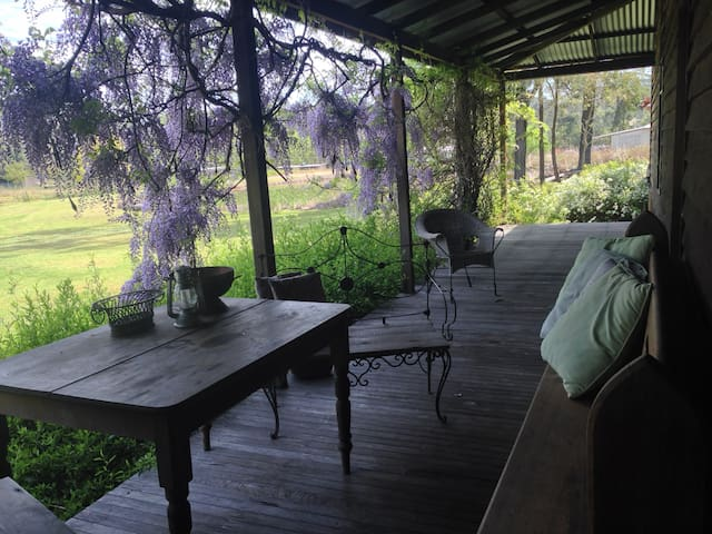 Cracklewood Country Accommodation - Lovedale