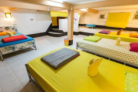 Viradesa guesthouse  dormitory男女混住1个床位 - Louangphabang - 旅舍