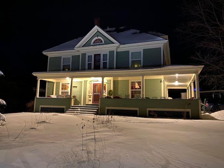 The Shirlie House - B & B - Katahdin Room