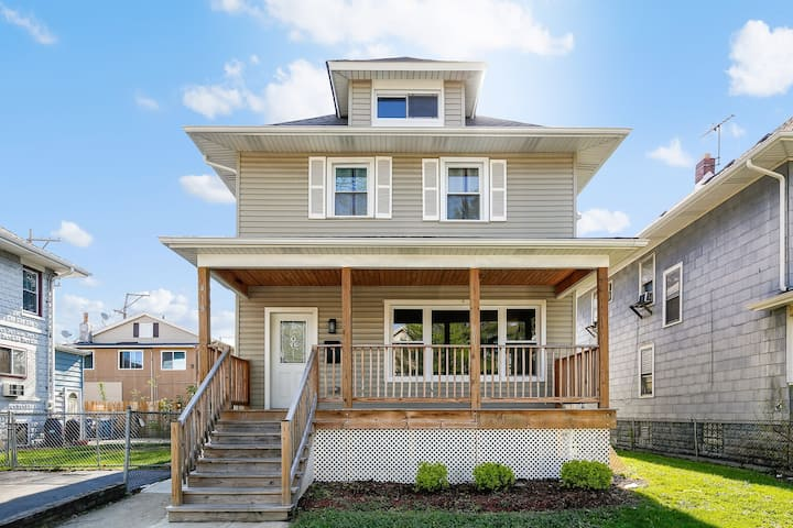 Spacious Home in Downtown Forest Park