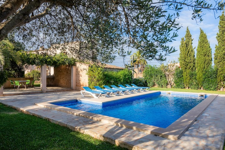 "Comfortable Vacation Home ""Can Mestressa"" with Pool, Air Condition, Balcony, Garden & Wi-Fi; Parking Available"