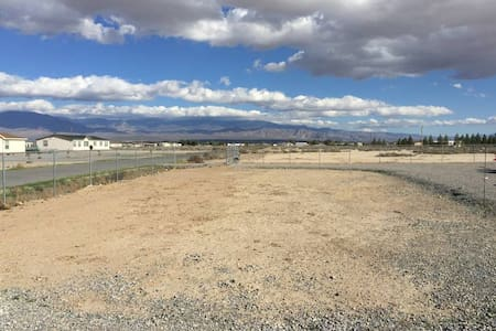 2 Bedrooms with Private Bath near Death Valley - Pahrump - Rumah