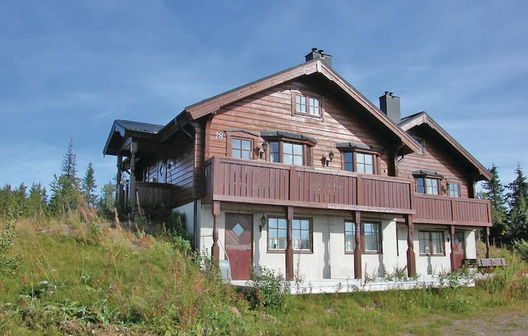 Semi-Detached with 3 bedrooms on 75m² in Sälen