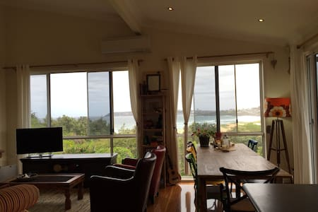 beach house with big beach views - North Curl Curl - Talo