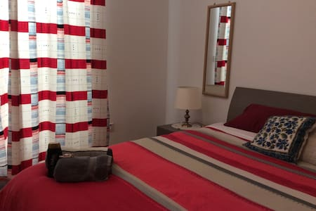 Comfy Double room with study area - Attard