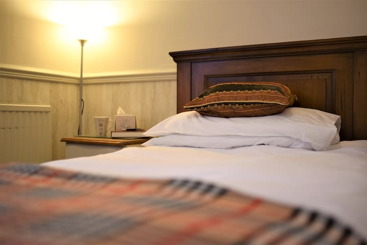 Bradford Guesthouse in heart of Old town