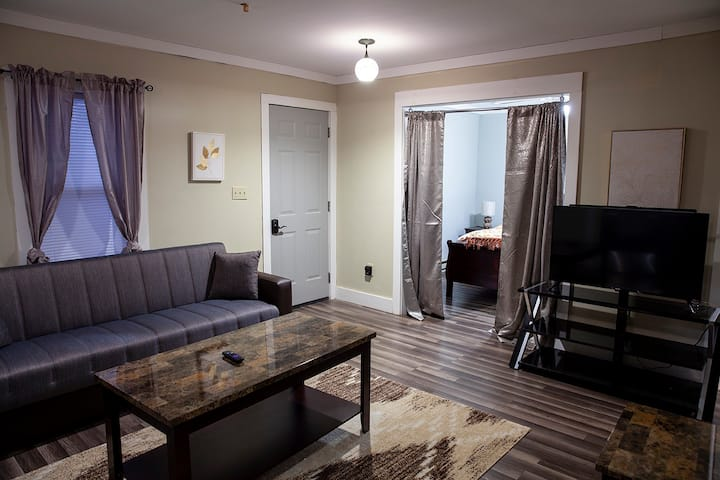 MainSt Apartment