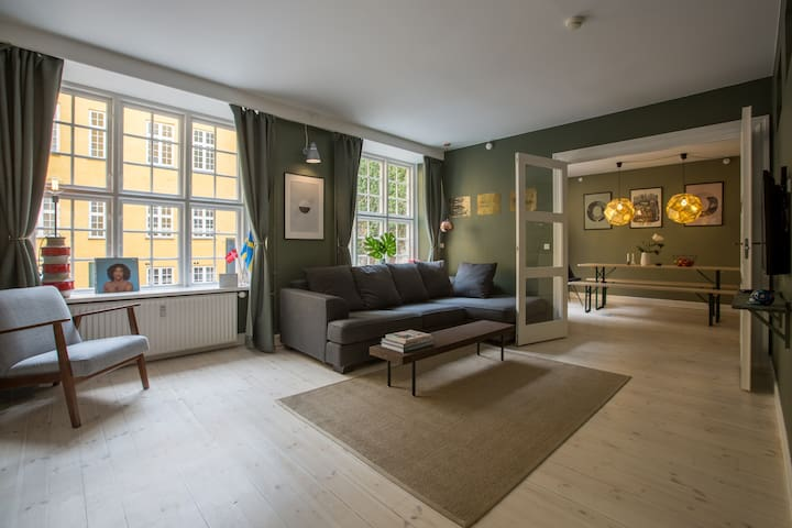 Spacious designer-home in historic building