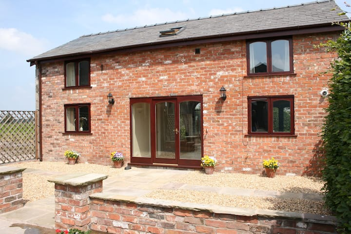 Self-catering cottage set in beautiful countryside