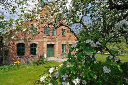 Mühlhaus am Bach