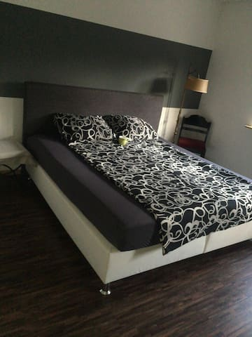 nice double room with king size bed